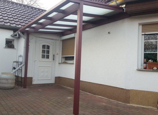 Vordach mit Dachüberstand, ALU pulverbeschichtet, Cottbus