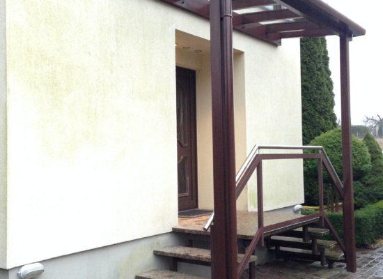 Vordach in Forst, Treppe, Podest, Geländer