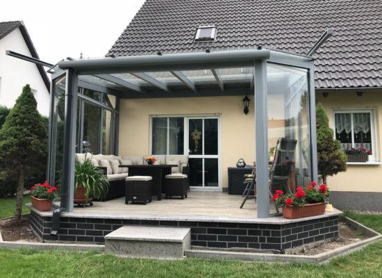 Glasdach mit Auf-Dach-Beschattung