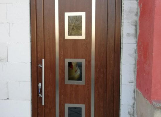 Moderne Haustür zum ehrlichen Preis von OLEfix