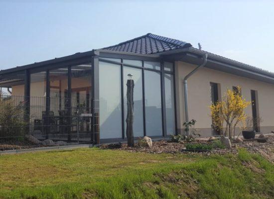 Terrassenüberdachung und Wetterschutz- Sichtschutzelemente