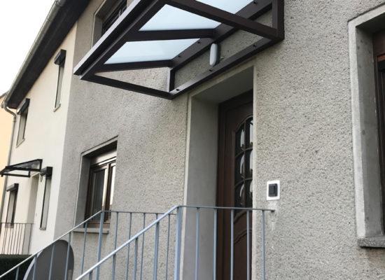Vordach Haustür Treppe Spremberg