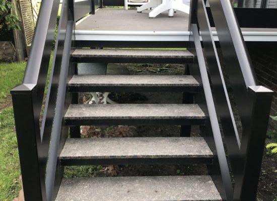 ALU-Konstruktion pulverbeschichtet mit Treppe