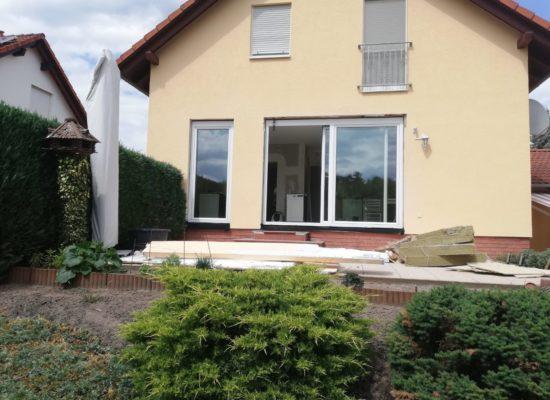 Neubau und Sanierung. Haustür und Fenster kommen von OLEfix