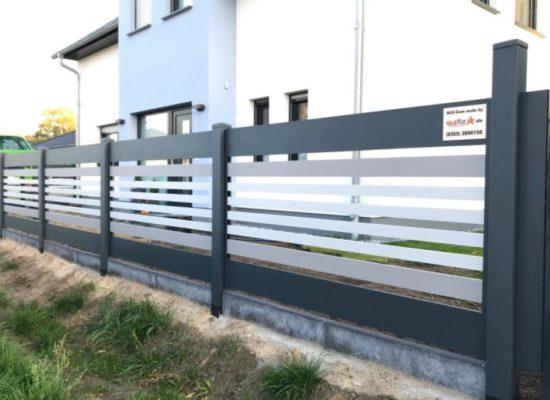 maßgefertigter ALU-Zaun mit Borde