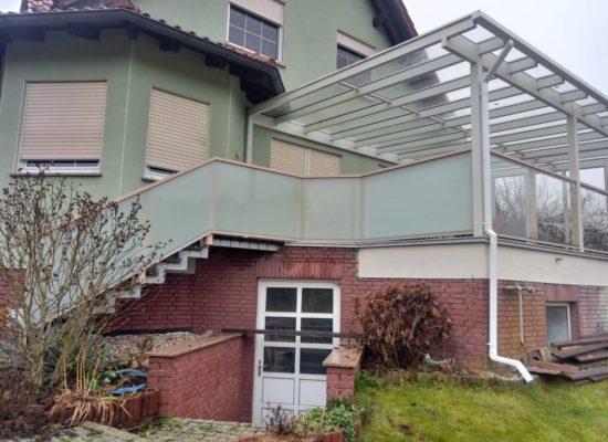 Glasgeländer mit Treppenaufgang, Finsterwalde