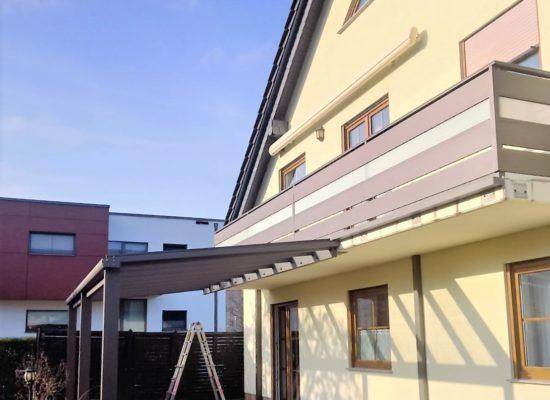 Kombi ALU-Terrassendach mit ALU-Geländer