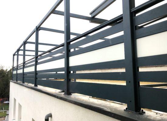 Stabil und Sicher. Aluminium-Geländer für die Dachterrasse