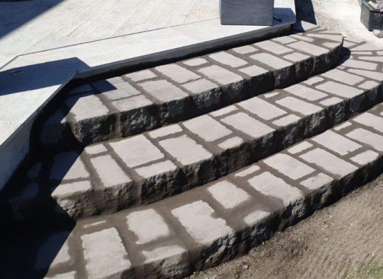 Kleine Treppe für die neue Terrasse
