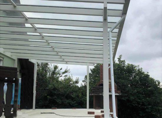 Terrassendach mit Glas-Dach-Überstand