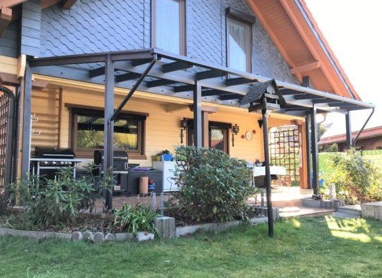 Glasdach mit Dachüberstand