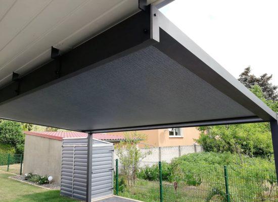 SunQube mit Dachsparrenhaltern und Dachkastenverkleidung