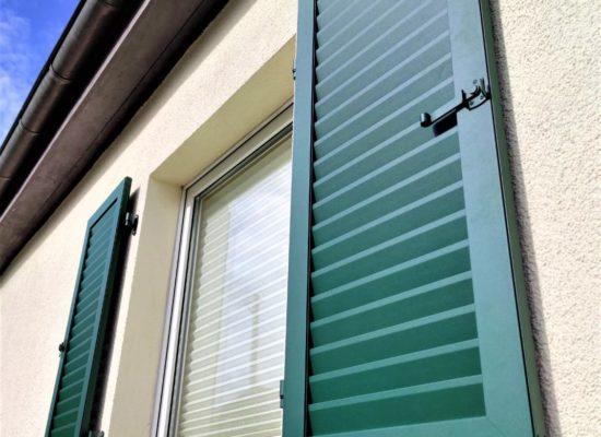 Griesser - Fensterläden, auf Maß gefertigt.