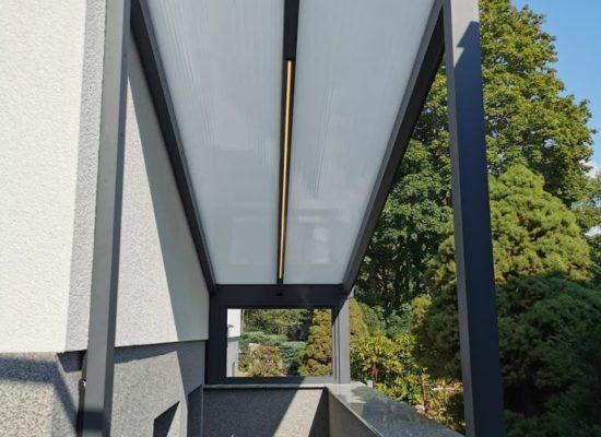 Kellerdach mit Polyplatten und LED-Stripe, Brandenburg-Cottbus