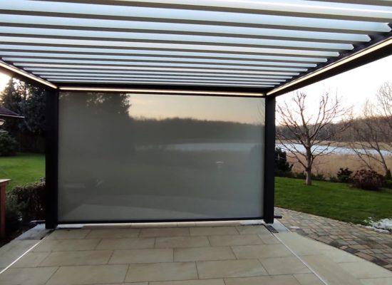 Lamellendach mit LED-Stripes Terrassenbau von OLE-fix