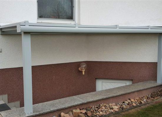 Kellerüberdachung mit geringer Neigung, ALU-Profile und PolyCarbonat-Platten