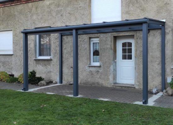 Massives Vordach - Vorbau Hauseingang, integrierte Entwässerung, Anthrazit-Grau