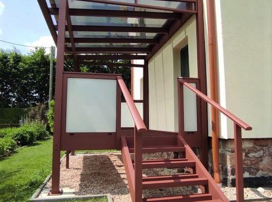 ALU-Balkon mit Treppe und Handlauf, maßgefertigt, ALU pulverbeschichtet - rostfrei, nie wieder streichen - pflegeleicht